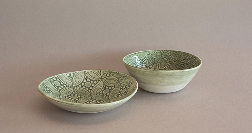 Gaver med mening: Grønne keramikkskåler, to stk. Wonki Ware. Foto.