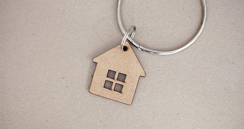 Gaver med mening: Nøkkelring, hus. Foto.